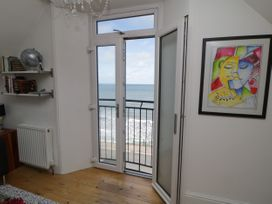 Flat 3, Peacehaven - Whitby & North Yorkshire - 982823 - thumbnail photo 2