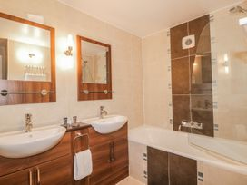 Apartment 8 - Lake District - 982904 - thumbnail photo 6