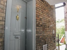 26A High Street - Shropshire - 982963 - thumbnail photo 1