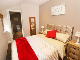 Caner Bach Lodge - South Wales - 983095 - thumbnail photo 10