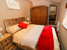 Caner Bach Lodge - South Wales - 983095 - thumbnail photo 11