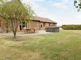 Upper Barn Annexe - Suffolk & Essex - 983181 - thumbnail photo 14