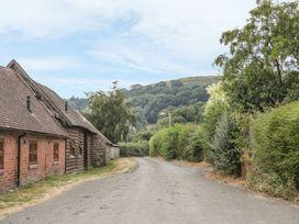 Old Hall Barn 1 - Shropshire - 983574 - thumbnail photo 17