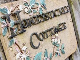 Honeysuckle Cottage - Cornwall - 983593 - thumbnail photo 2
