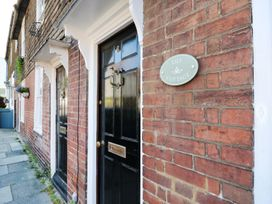 Lily Cottage - Kent & Sussex - 983611 - thumbnail photo 2