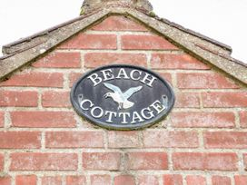 Beach Cottage - Norfolk - 983667 - thumbnail photo 2