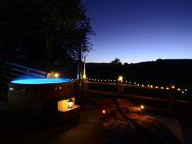 Stellar Safari Lodge - Mid Wales - 984103 - thumbnail photo 52