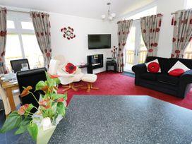 Poppy Lodge - South Wales - 984123 - thumbnail photo 2