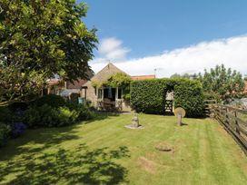 Henhouse Cottage - Whitby & North Yorkshire - 984261 - thumbnail photo 11