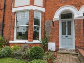 8 Wilton Road - Whitby & North Yorkshire - 984696 - thumbnail photo 2