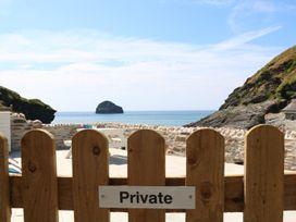 Gull Rock - Cornwall - 984748 - thumbnail photo 26