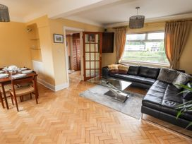 Dee Heights Penthouse - North Wales - 984751 - thumbnail photo 4