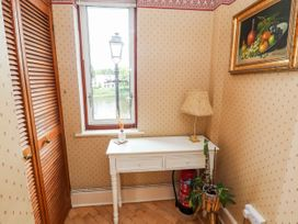 Dee Heights Penthouse - North Wales - 984751 - thumbnail photo 7