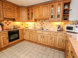 Dee Heights Penthouse - North Wales - 984751 - thumbnail photo 10