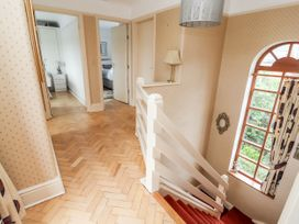 Dee Heights Penthouse - North Wales - 984751 - thumbnail photo 16