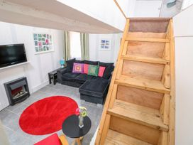 Barnacle Barn - Norfolk - 984798 - thumbnail photo 10