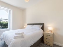 Apartment 3, 6 St Anns Apartments - North Wales - 984971 - thumbnail photo 9