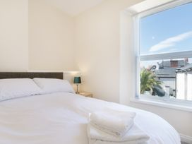 Apartment 3, 6 St Anns Apartments - North Wales - 984971 - thumbnail photo 14