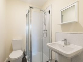 Apartment 3, 6 St Anns Apartments - North Wales - 984971 - thumbnail photo 15