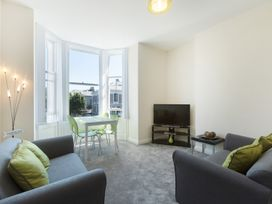 Apartment 3, 6 St Anns Apartments - North Wales - 984971 - thumbnail photo 5