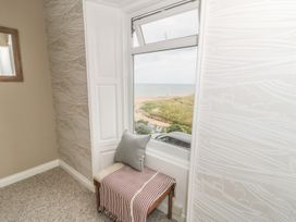 Larksbay View - North Yorkshire (incl. Whitby) - 985343 - thumbnail photo 12