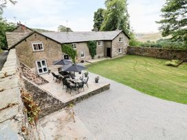 6 bedroom Cottage for rent in Macclesfield
