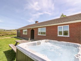 Glanyrafon Bungalow - Mid Wales - 985857 - thumbnail photo 1