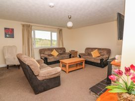 Glanyrafon Bungalow - Mid Wales - 985857 - thumbnail photo 4