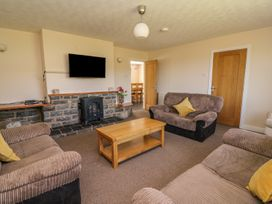 Glanyrafon Bungalow - Mid Wales - 985857 - thumbnail photo 8