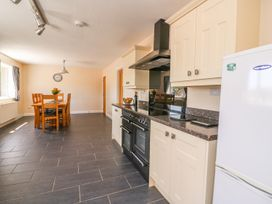 Glanyrafon Bungalow - Mid Wales - 985857 - thumbnail photo 11
