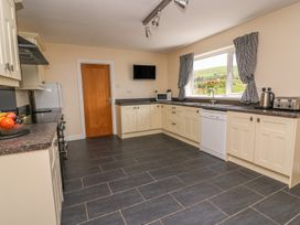 Glanyrafon Bungalow - Mid Wales - 985857 - thumbnail photo 10