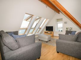 Pentowan Penthouse - Cornwall - 985870 - thumbnail photo 3