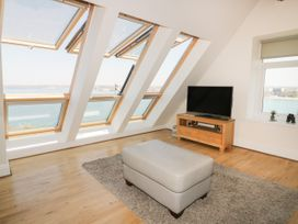 Pentowan Penthouse - Cornwall - 985870 - thumbnail photo 7