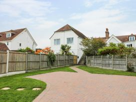 1 bedroom Cottage for rent in Dover