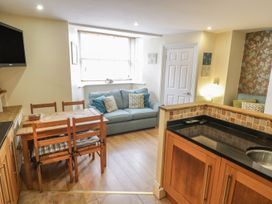 Apartment 6 - North Yorkshire (incl. Whitby) - 9865 - thumbnail photo 6