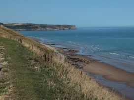 Apartment 6 - North Yorkshire (incl. Whitby) - 9865 - thumbnail photo 13