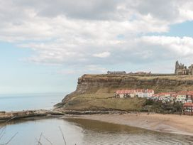 Apartment 6 - North Yorkshire (incl. Whitby) - 9865 - thumbnail photo 14