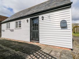 White Hart Stable - Kent & Sussex - 986533 - thumbnail photo 1