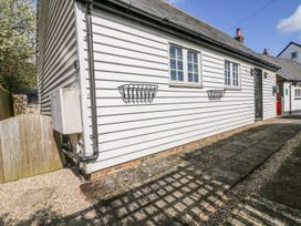 White Hart Stable - Kent & Sussex - 986533 - thumbnail photo 2