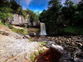 Waterfall Cottage - Yorkshire Dales - 986639 - thumbnail photo 33