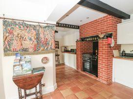 Hop House - Kent & Sussex - 986640 - thumbnail photo 12