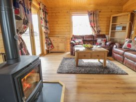 Manor Farm Lodges - Red Kite Lodge - Mid Wales - 986720 - thumbnail photo 6