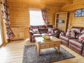 Manor Farm Lodges - Red Kite Lodge - Mid Wales - 986720 - thumbnail photo 5