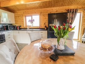 Manor Farm Lodges - Red Kite Lodge - Mid Wales - 986720 - thumbnail photo 12