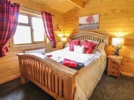 Manor Farm Lodges - Red Kite Lodge - Mid Wales - 986720 - thumbnail photo 13