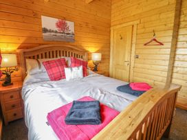 Manor Farm Lodges - Red Kite Lodge - Mid Wales - 986720 - thumbnail photo 15