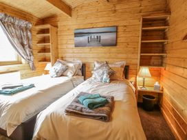 Manor Farm Lodges - Red Kite Lodge - Mid Wales - 986720 - thumbnail photo 18