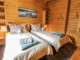 Manor Farm Lodges - Red Kite Lodge - Mid Wales - 986720 - thumbnail photo 19