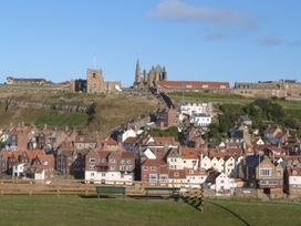 Number 4 - North Yorkshire (incl. Whitby) - 986850 - thumbnail photo 19