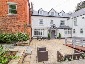 14 bedroom Cottage for rent in Rhyl